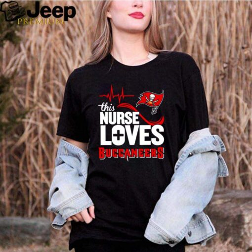 Heartbeat this nurse loves Buccaneers shirt